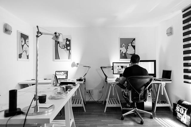 Hoe kies je nu de juiste stoel voor op het werk